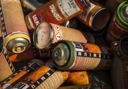 Giv dit boliginteriør en opfriskning med spraymaling i flotte farver